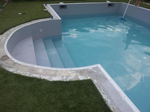 Gris clair r novation piscine rh nes alpes for Piscine 2 alpes